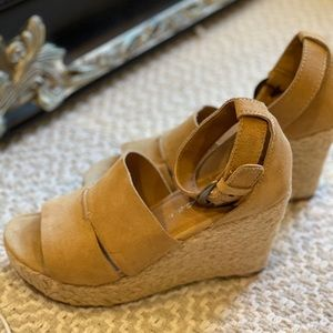 Made in BRAZIL as 9 leather/suede wedge